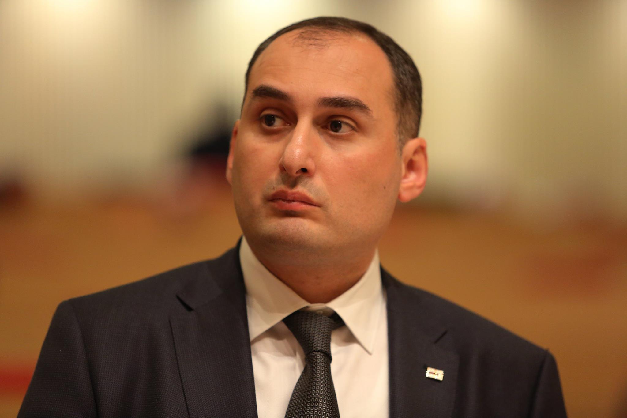 Photo of დიმიტრი ქუმსიშვილის ოჯახისაგან რეპრესირებული ადვოკატი კახი კალაძეს მიმართავს