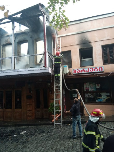Photo of სიღნაღში რესტორნები დაიწვა – ცეცხლის კერების ლიკვიდაცია კვლავ მიმდინარეობს