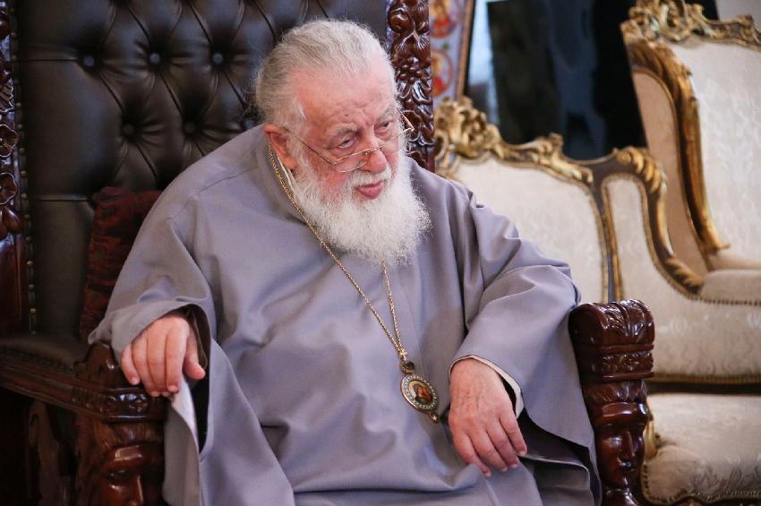 Photo of ილია მეორე: დღეს რთული დროა, ჩვენ უნდა გავიაროთ ბეწვის ხიდზე…