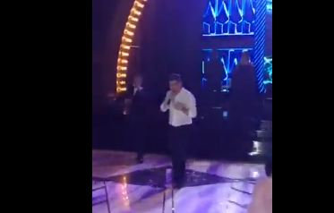 "Photo of მამუკა მდინარაძემ თბილისის ცა გაათეთრა, მაყრები ვარდებად აქცია… _ ,,ცნობილი სიმღერა გააუპატიურა"" (ვიდეო)"