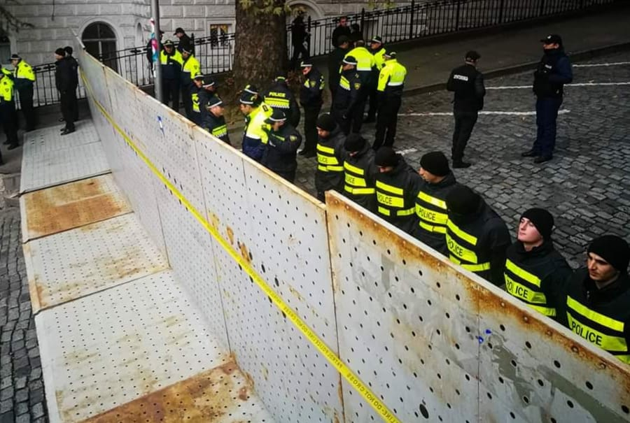 """Photo of ,,ხელისუფლებამ პოლიტიკური ბუნკერის მშენებლობა დაიწყო…"""""""