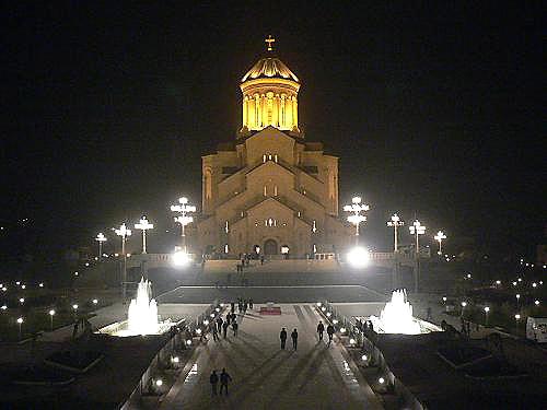 Photo of 13 დეკემბერს, მთელი ღამის განმავლობაში სამების საკათედრო ტაძარი ღია იქნება