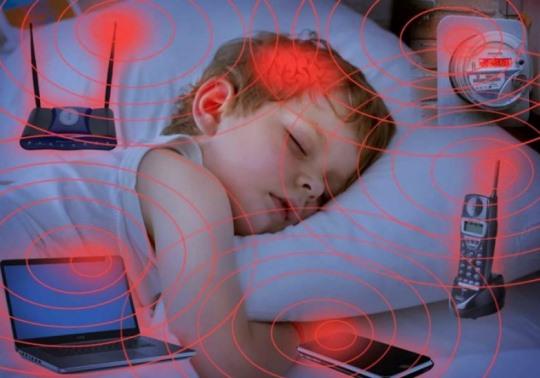 Photo of აკადემიკოსის შვილი: ამით იზრდება ტვინის სიმსივნეების, ნაადრევი სიბრმავის, გონებრივი სიჩლუნგის და უამრავი უბედურების რისკი