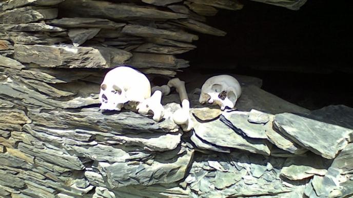 Photo of დედა შვილს ძუძუს აჭმევდა და ორივე შავმა ჭირმა გააქვავა სარეცელს_ ხევსურეთის სოფლის სიკვდილის ისტორია
