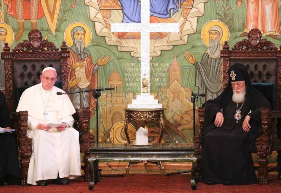 """Photo of ,,მსურს კვლავაც დაგარწმუნოთ, რომ გამუდმებით ვლოცულობ თქვენთვის""""_ რომის პაპის წერილი ილია მეორეს"""
