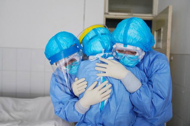 """Photo of ,,ეპიდემია მაშინ დასრულდება, როდესაც ყველა დაავადდება კოვიდით""""_ მერილენდის უნივერსიტეტის კლინიკის დირექტორი"""" _"""